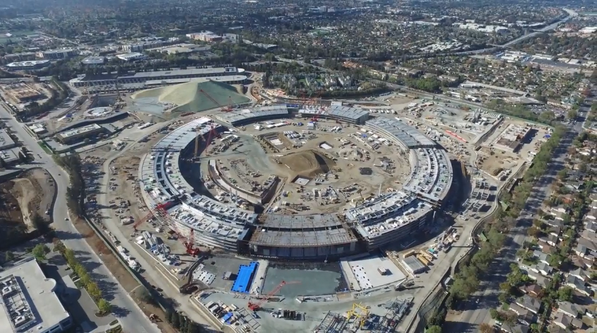 Avances en el nuevo campus de Apple.  Nuevas imágenes tomadas con un dron muestran cuánto se ha adelantado en la construcción.