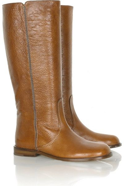 Flat leather boots by Chloe.