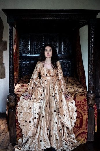 Costume robe reine Renaissance Royale moyen âge