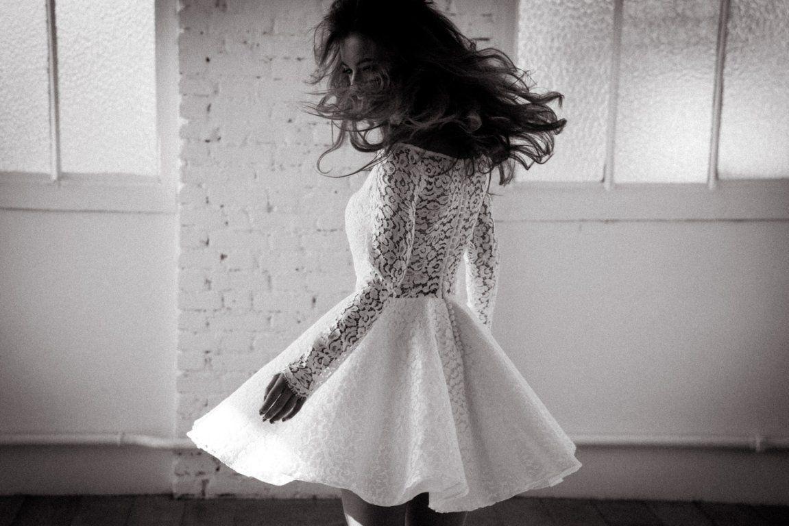 Vintage wedding dress under 500  novias modernas con vestdos cortos  Vestidos de Novia  Pinterest