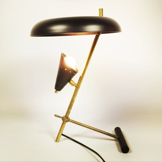 Gorgeous italian table lamp in the style of the от LampAndCo