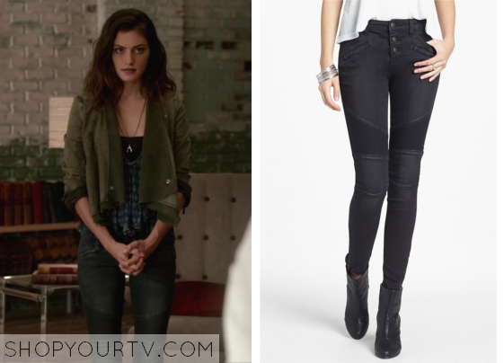 Hayley Marshall (Phoebe Tonkin) wears these paneled moto skinny jeans in  this week's episode