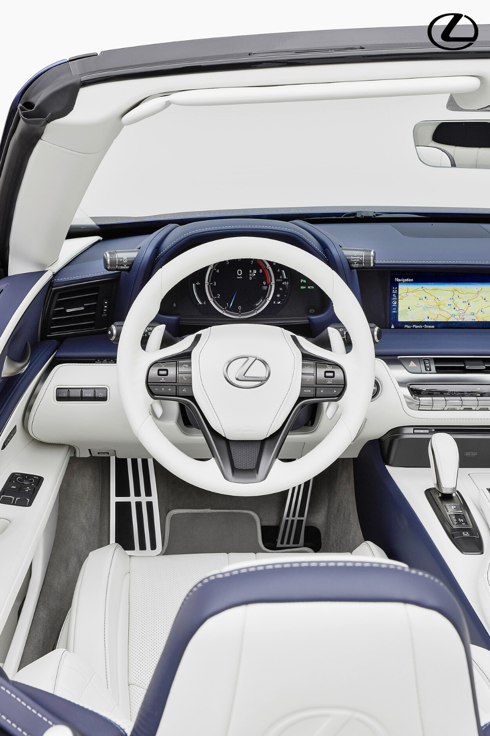 The innovative colour co-ordination in the Lexus LC Convertible creates seamless continuity between the car's exterior and interior. Click to find out more. #Lexus #LexusLC #LCConvertible #LuxuryCars #NewCars #ConvertibleCars #CarDesign #CarBodyDesign