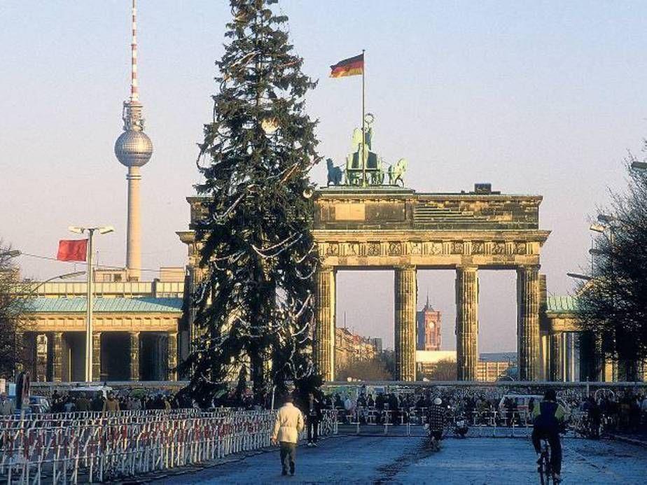 Weihnachten Im Kalten Krieg Als Berlin Zum Fest Die Getrennten Familien Zusammenfuhrte Weihnachten In Berlin Berlin Leben In Der Ddr