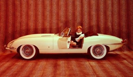 Jaguar E-Type somehow defeats the Reliant Robin to be decl | Hemmings Daily