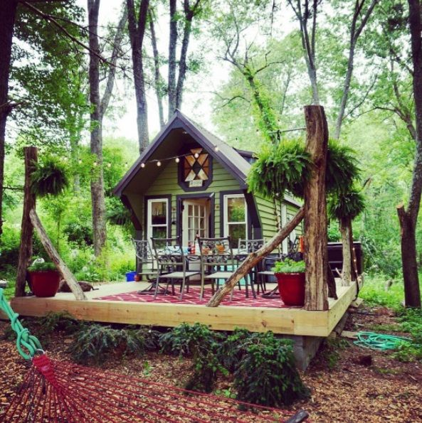 This is a 230 sq. ft. tiny home that was built with harvested wood from the DC Metro area. The owners are Luke and Courtney, who document their adventures on Instagram. Please enjoy, learn more, an…