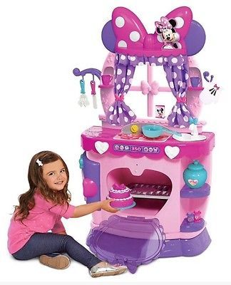 New Minnie Mouse Kitchen Disney Bowtique Set Sweet Surprises Girls Playset Pink Minnie Mouse Kitchen Minnie Minnie Mouse Toys