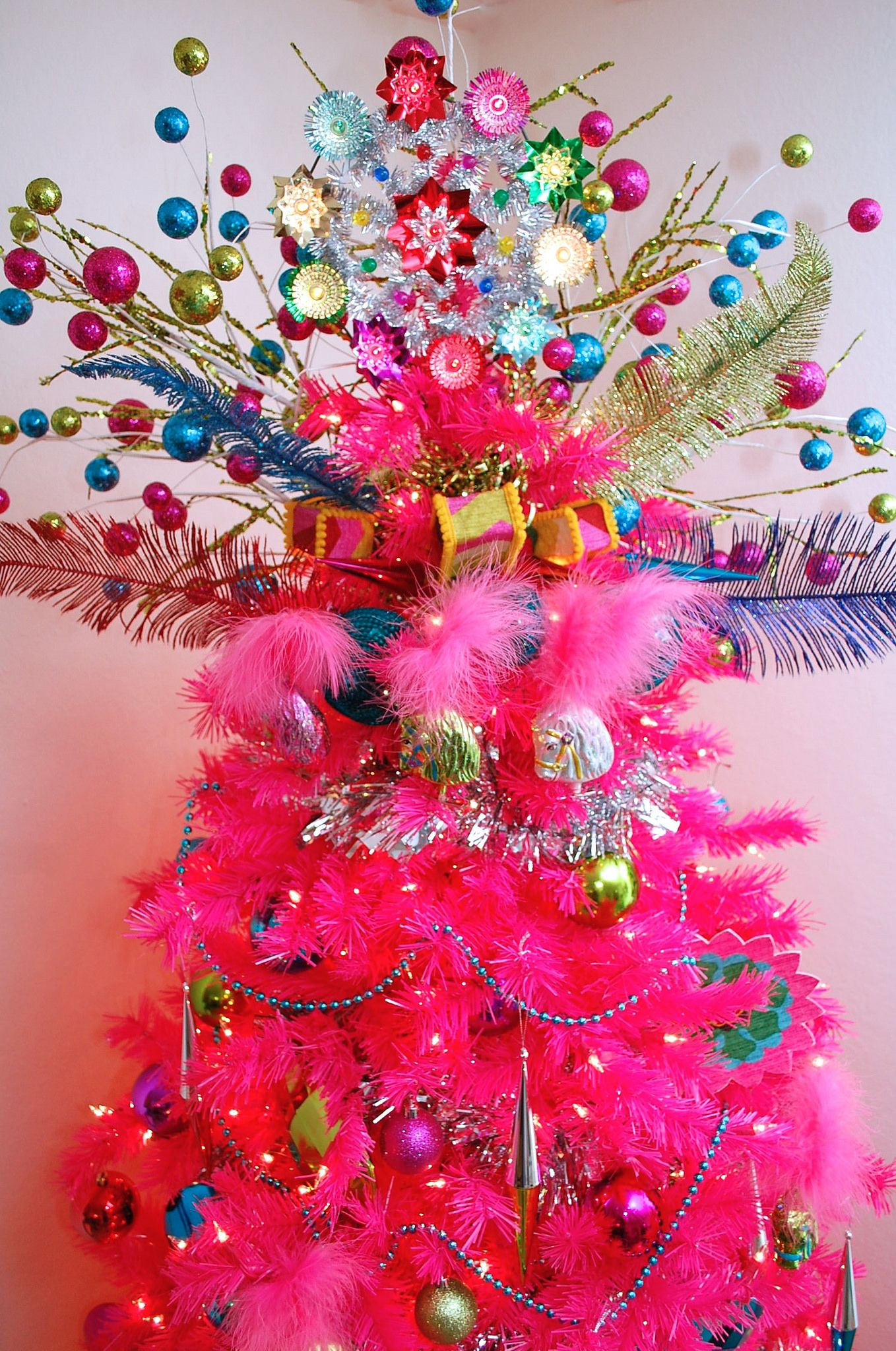 Hot Pink Christmas Tree With Neon Bright Starburst Topper Treetopiaornaments