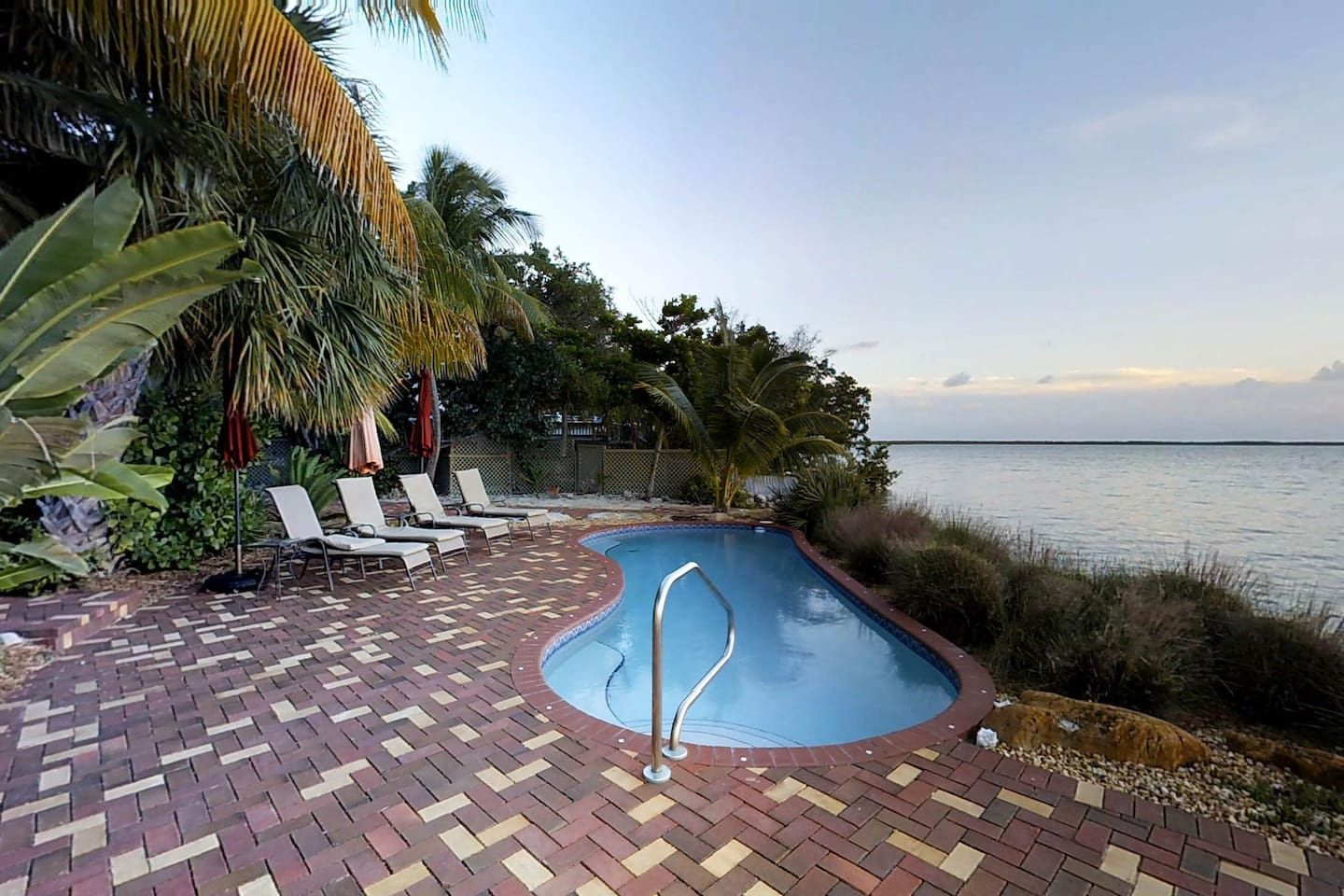 Spectacular, oceanfront, dogfriendly home w/ private pool