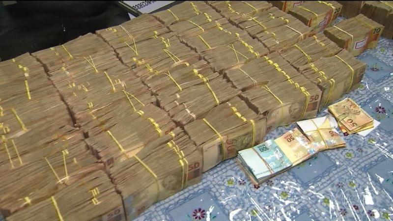 Catarinenses são presos em São Paulo com quase R$ 2 milhões no carro - Diário Catarinense
