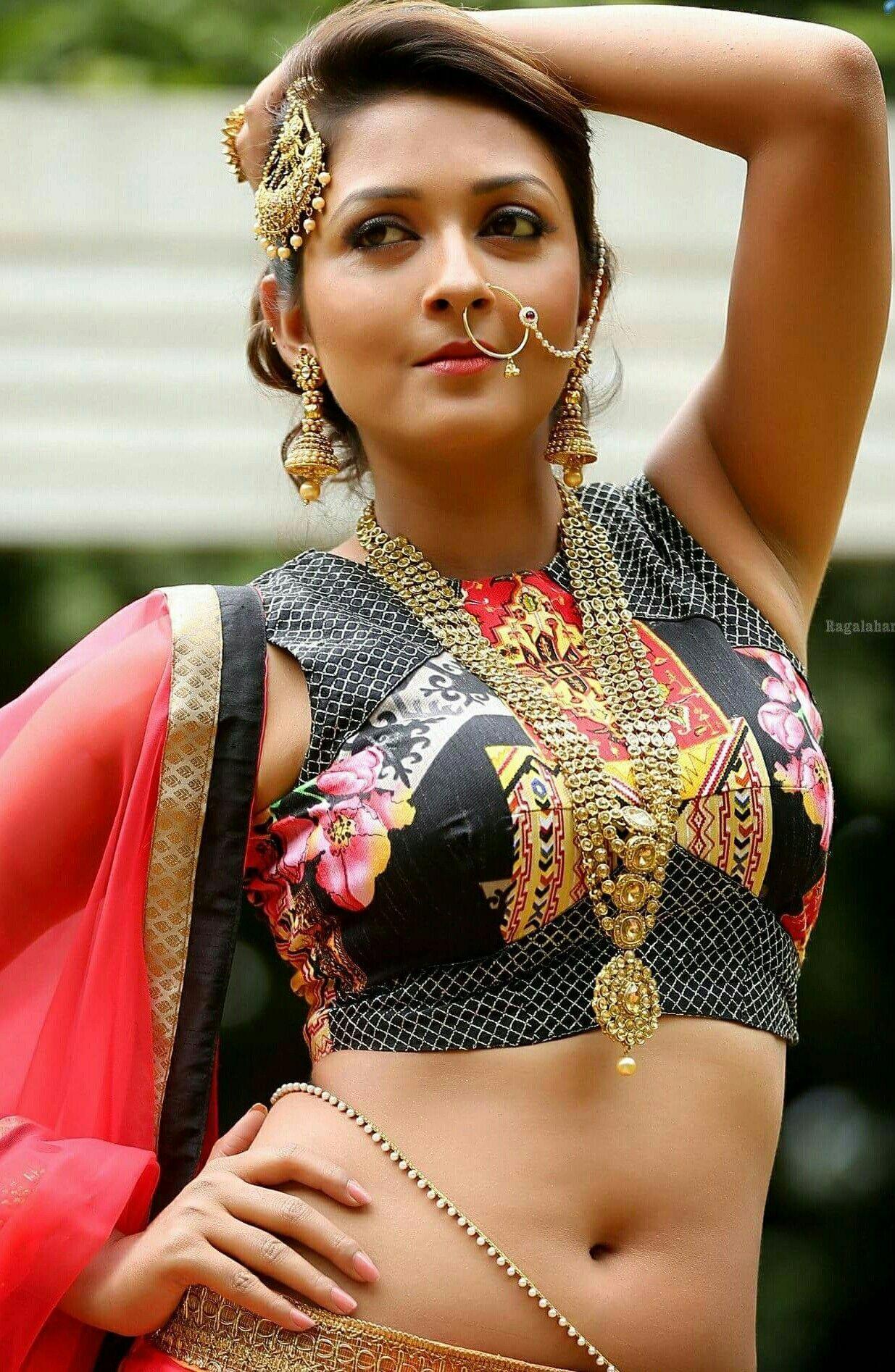 Hottest Indian Actress Hot Photos