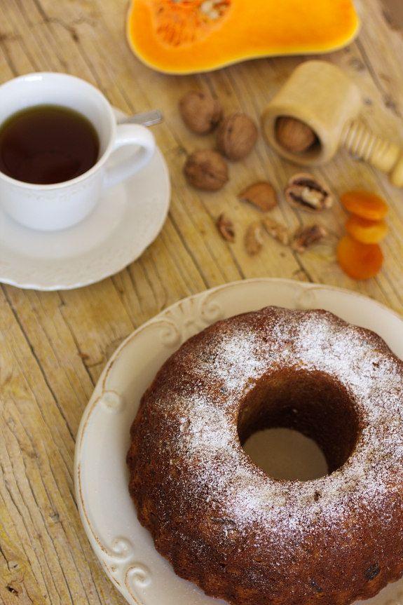 Bolo de abóbora com frutos secos; Cinco Quartos de Laranja: Cuisine Companion