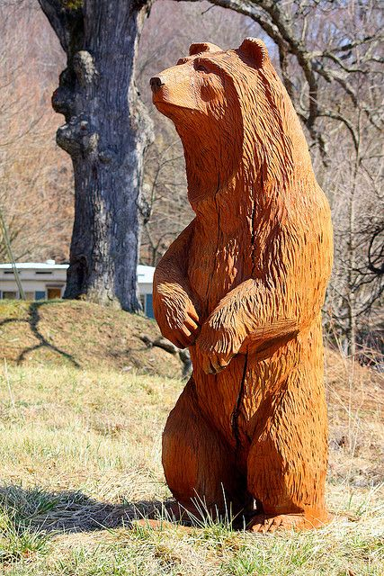 A bear chainsaw carving mark polski unknown