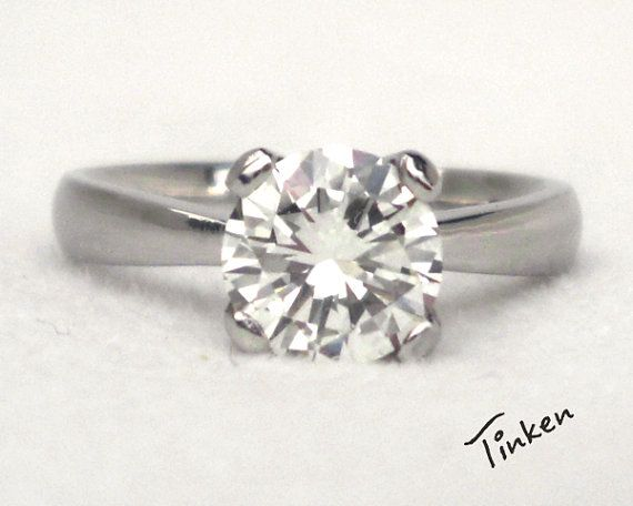 its pretty and simpleSolitaire engagement ring diamond ring 14K