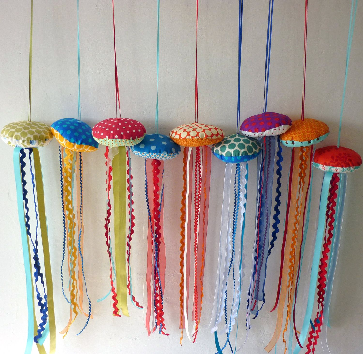 Diy Jellyfish Decorations Jellyfish Mobile Perfect For A Kids Playroom Cool Crafts