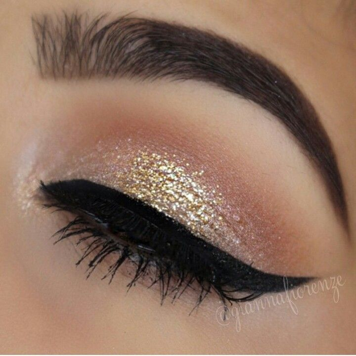 Shimmer Winged Eyeliner Eye Makeup Eye Make Up Beauty Makeup