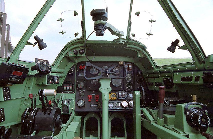 Bristol_Beaufighter_Cockpit.jpg (JPEG Image, 850×558 pixels) - Scaled (86%)