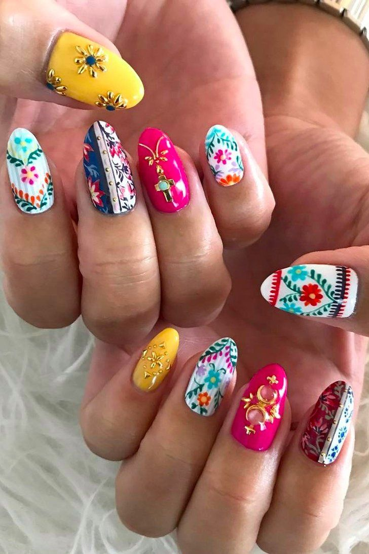 foto 20 Gorgeous Floral Nail Art Ideas To Bloom