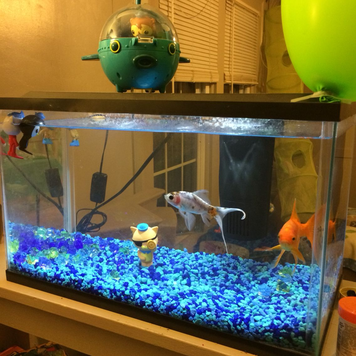 Fish tank toys - Most Octonaut Toys Are Water Friendly So Put Them In A Fish Tank With Or Without