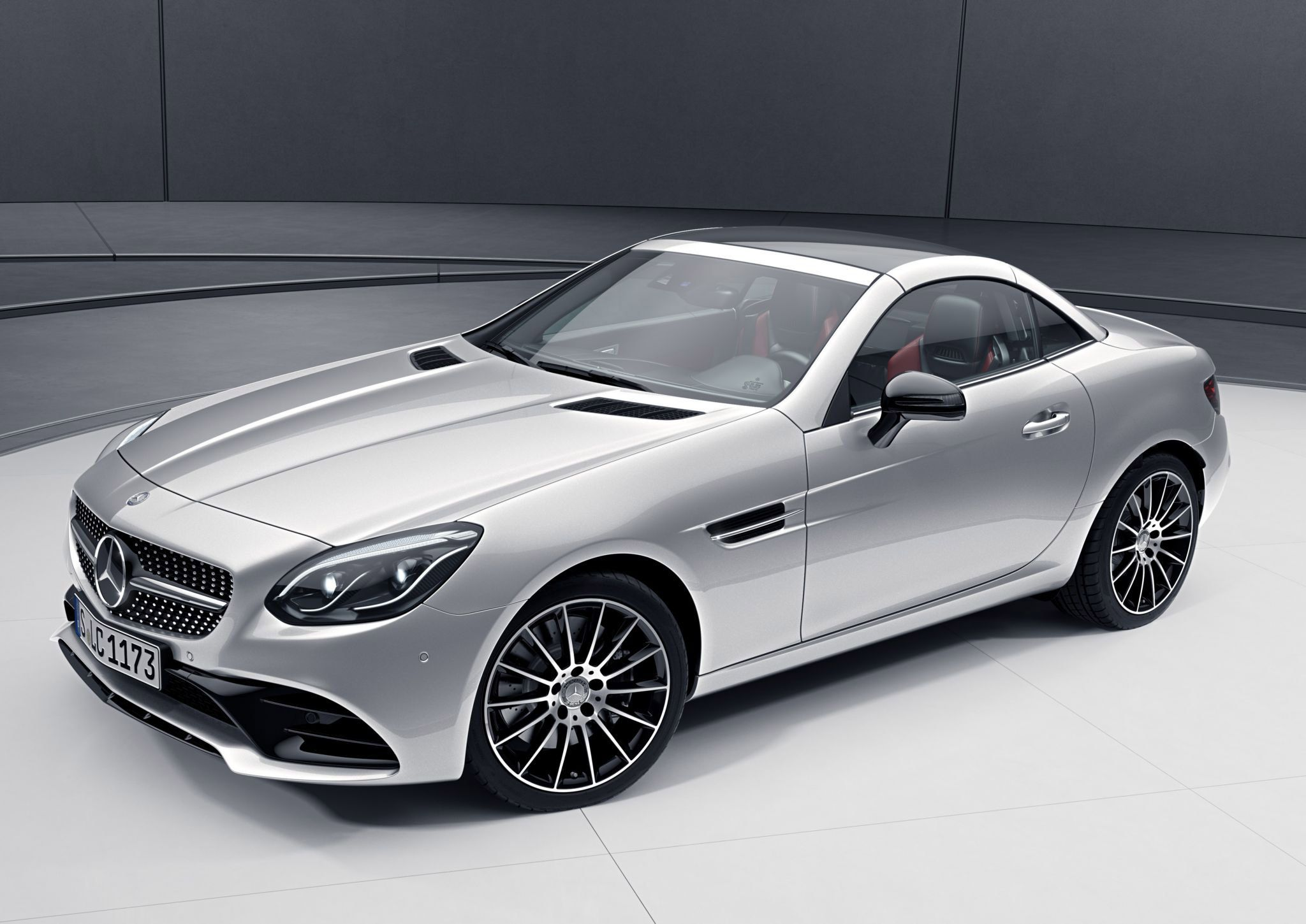 Mercedes Benz Slc Exclusively Gets A Stylish Night Pack Mercedes Benz Benz Mercedes