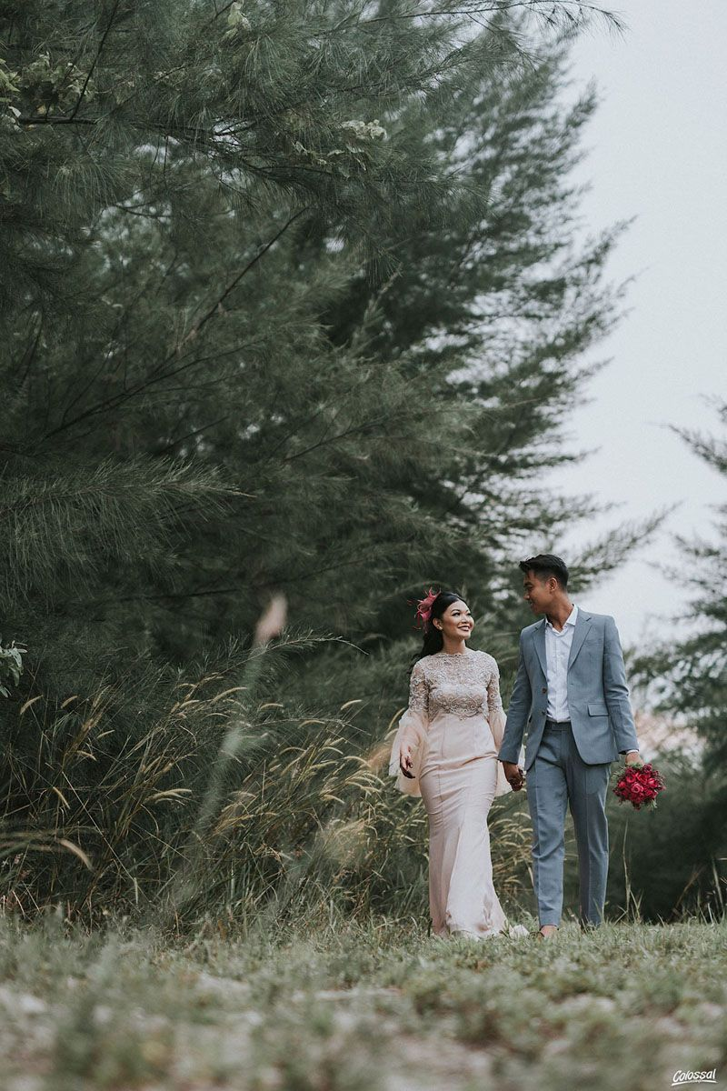 Diana And Sufiyan S Gorgeous Pre Wedding Session And Romantic Celebration Outdoor Wedding Photos Outdoor Wedding Photographer Wedding Picture Poses