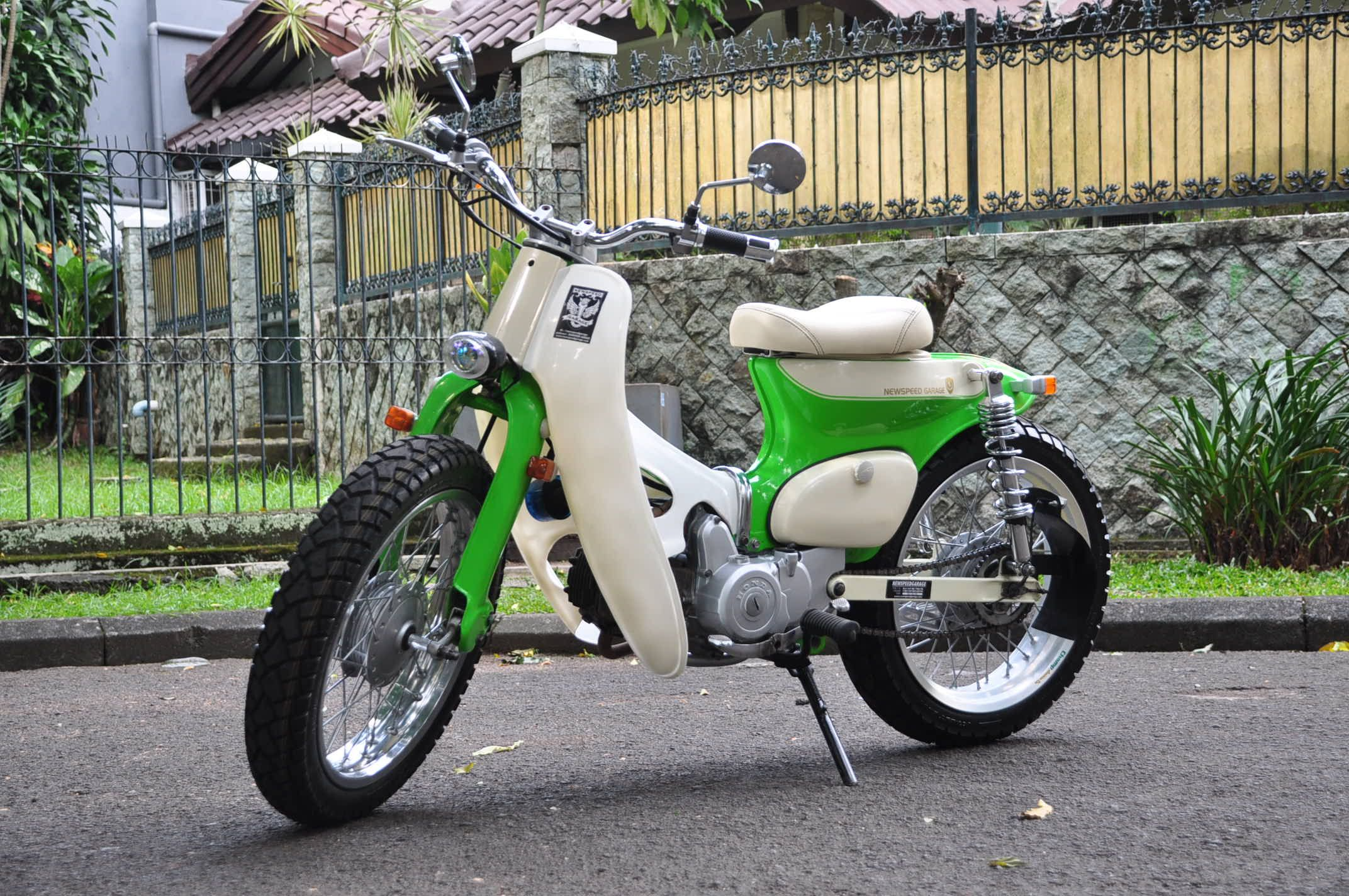Street cub green peace by newspeed garage motorcycle for Garage modification