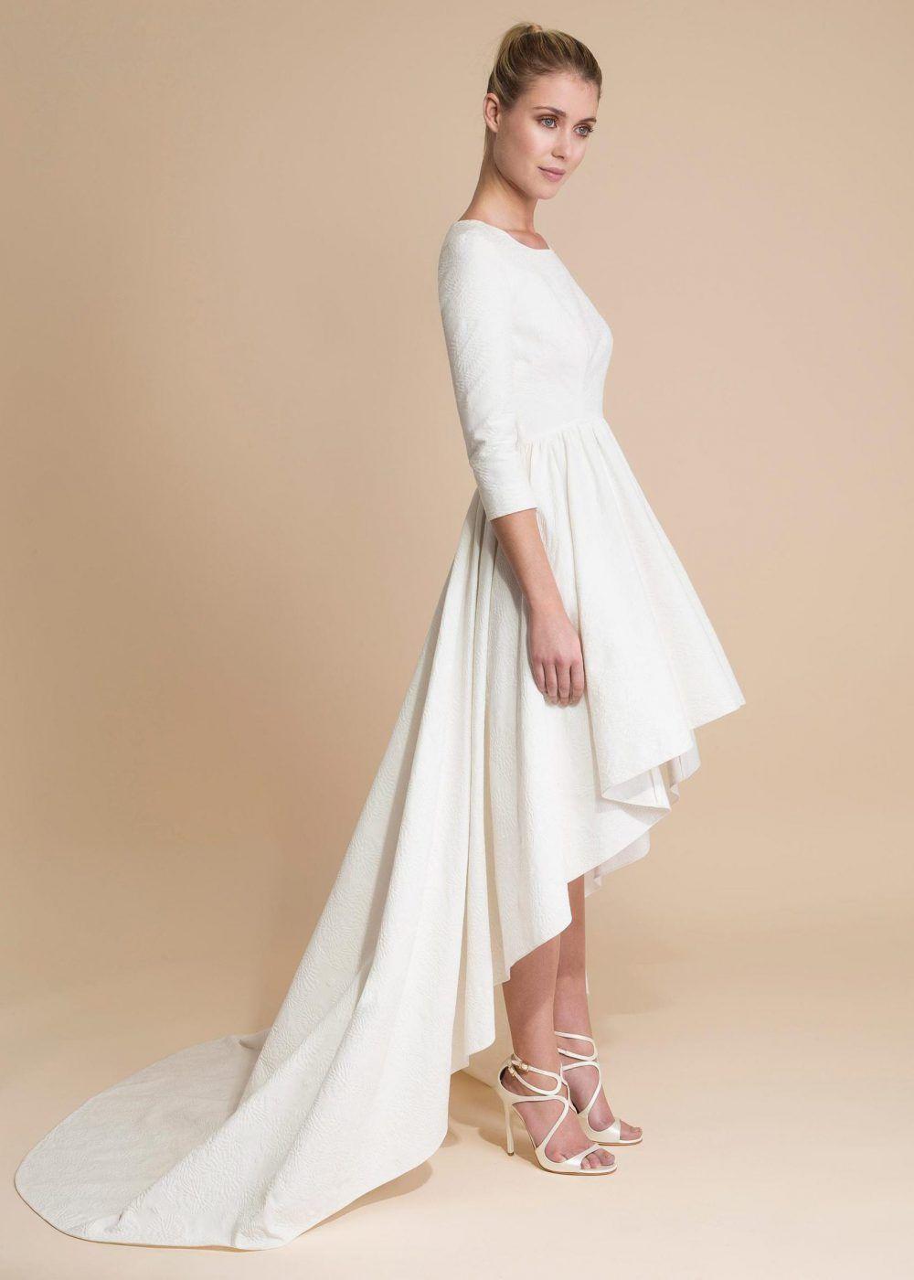 Robe de mariée courte avec traine.   Weddıng 9ca0260db032