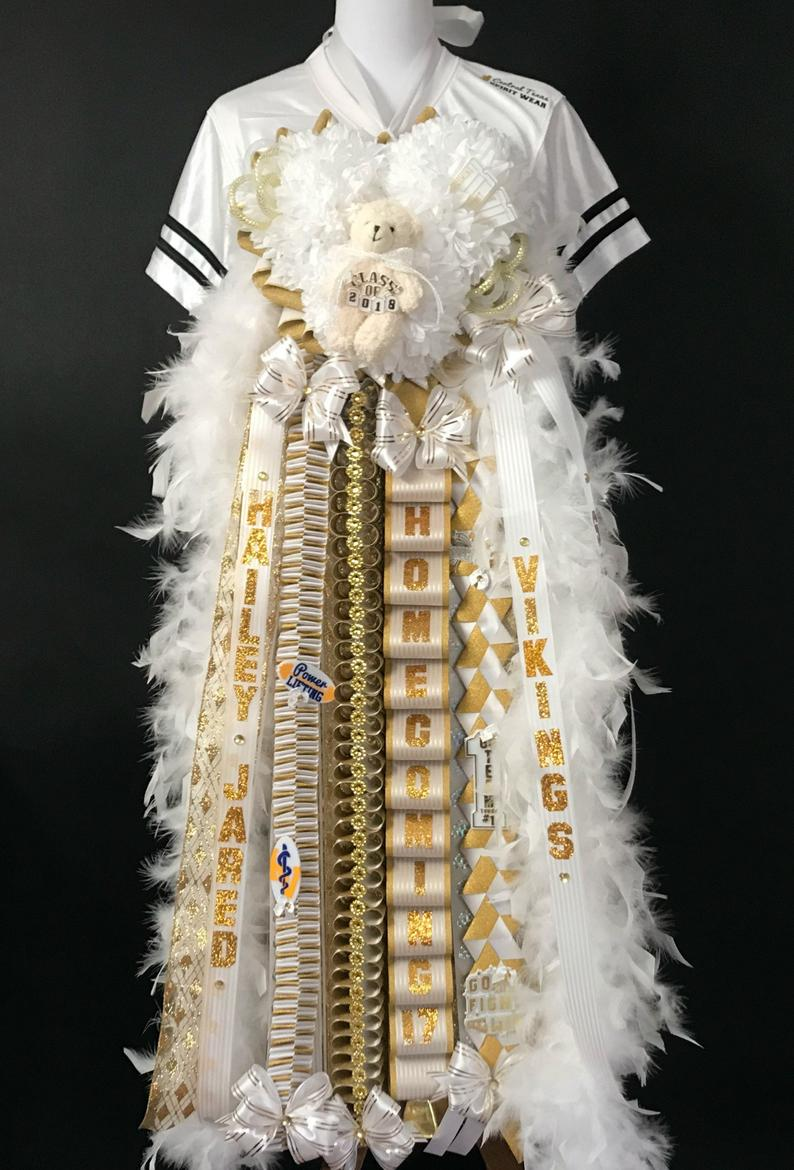 Homecoming mum for junior - Heart shaped homecoming mum