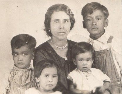 Old Mexican Family Somos Primos Dedicated To Hispanic