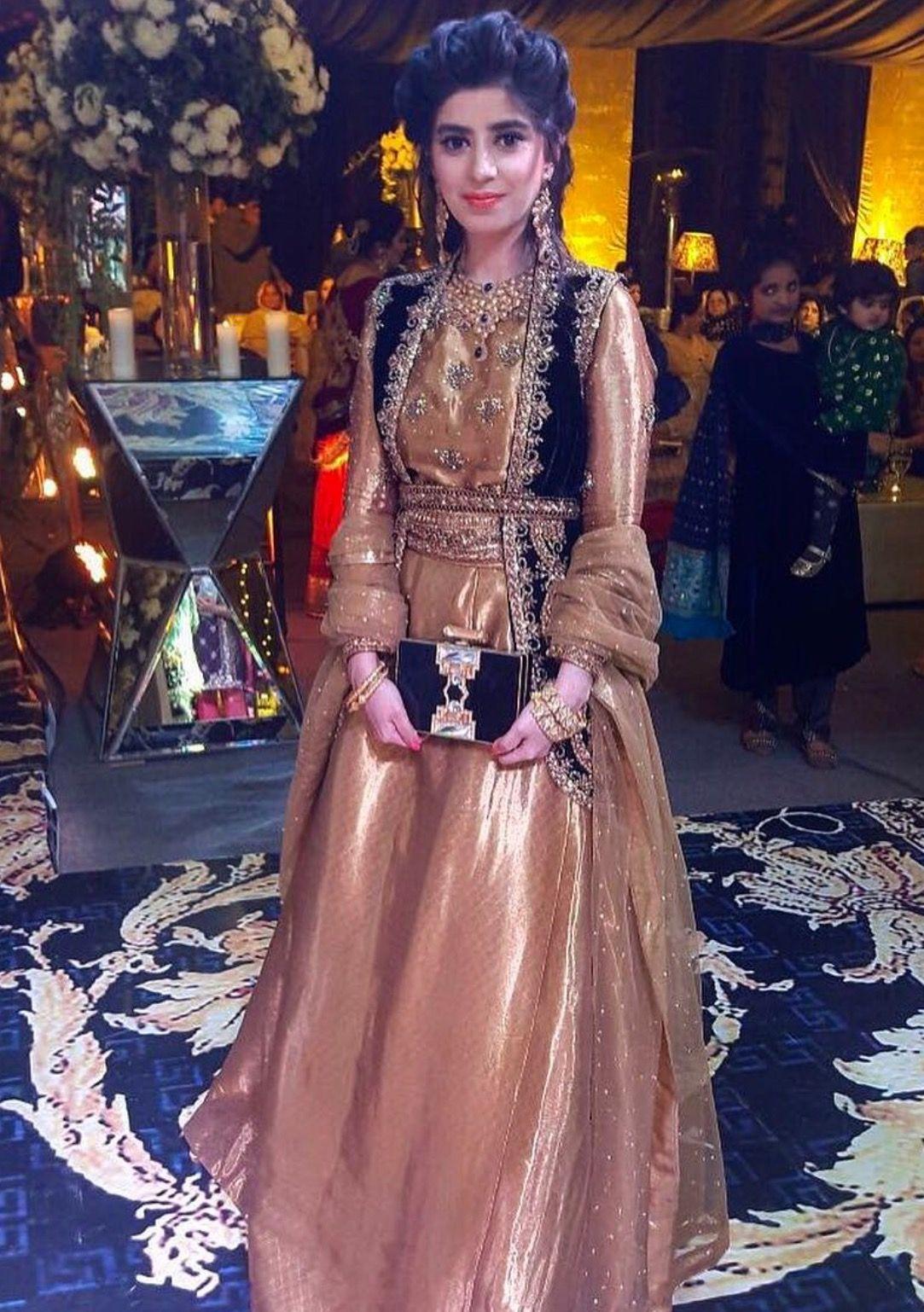 Pin von Haya B auf Pakistani Outfits | Pinterest
