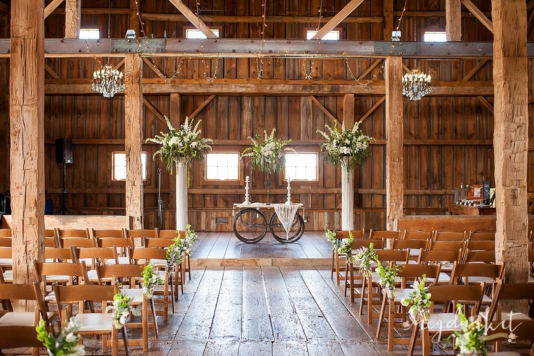 The Valley Ceremony Decor Frutig Farms Ann Arbor Wedding