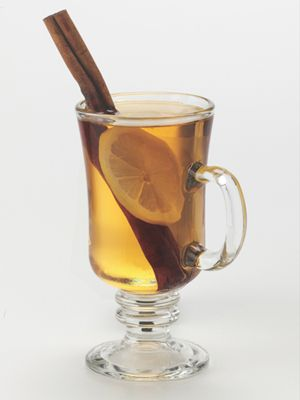 Hot cocktails that 39 ll keep you warm jim beam honey for Hot tea with whiskey