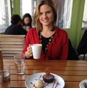 Ruth Martin of The Naked VA interviews Sally Kuhlman at Sally Around The Bay about being a virtual professional. #SallyKuhlman #socialmedia
