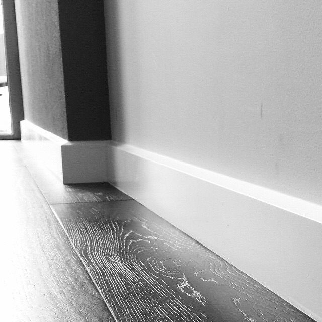 Bevelled Skirting Boards Spray Painted White Modern Skirting Boards Skirting Boards Modern Baseboards Baseboard Trim