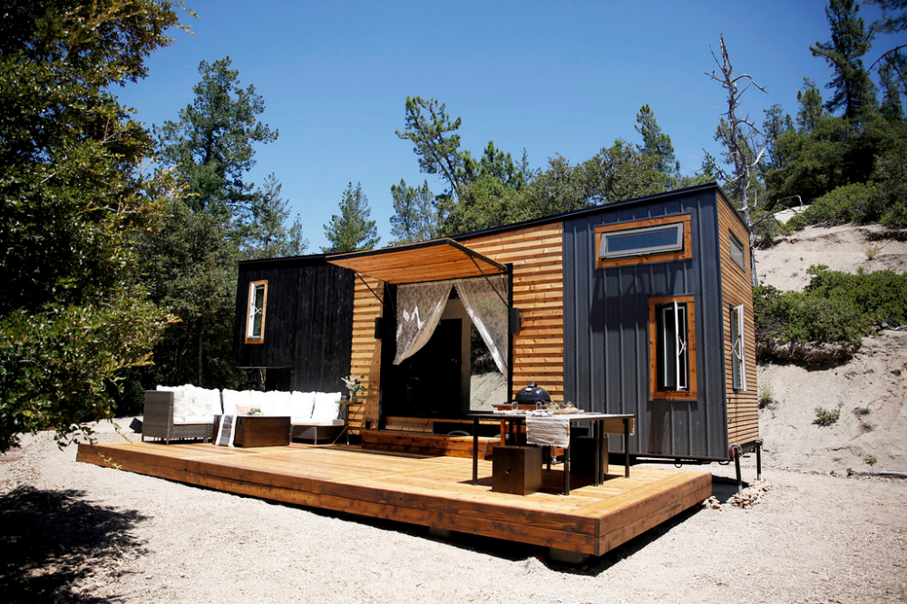 Tiny House With Big Deck Google Search Japanese Tiny House