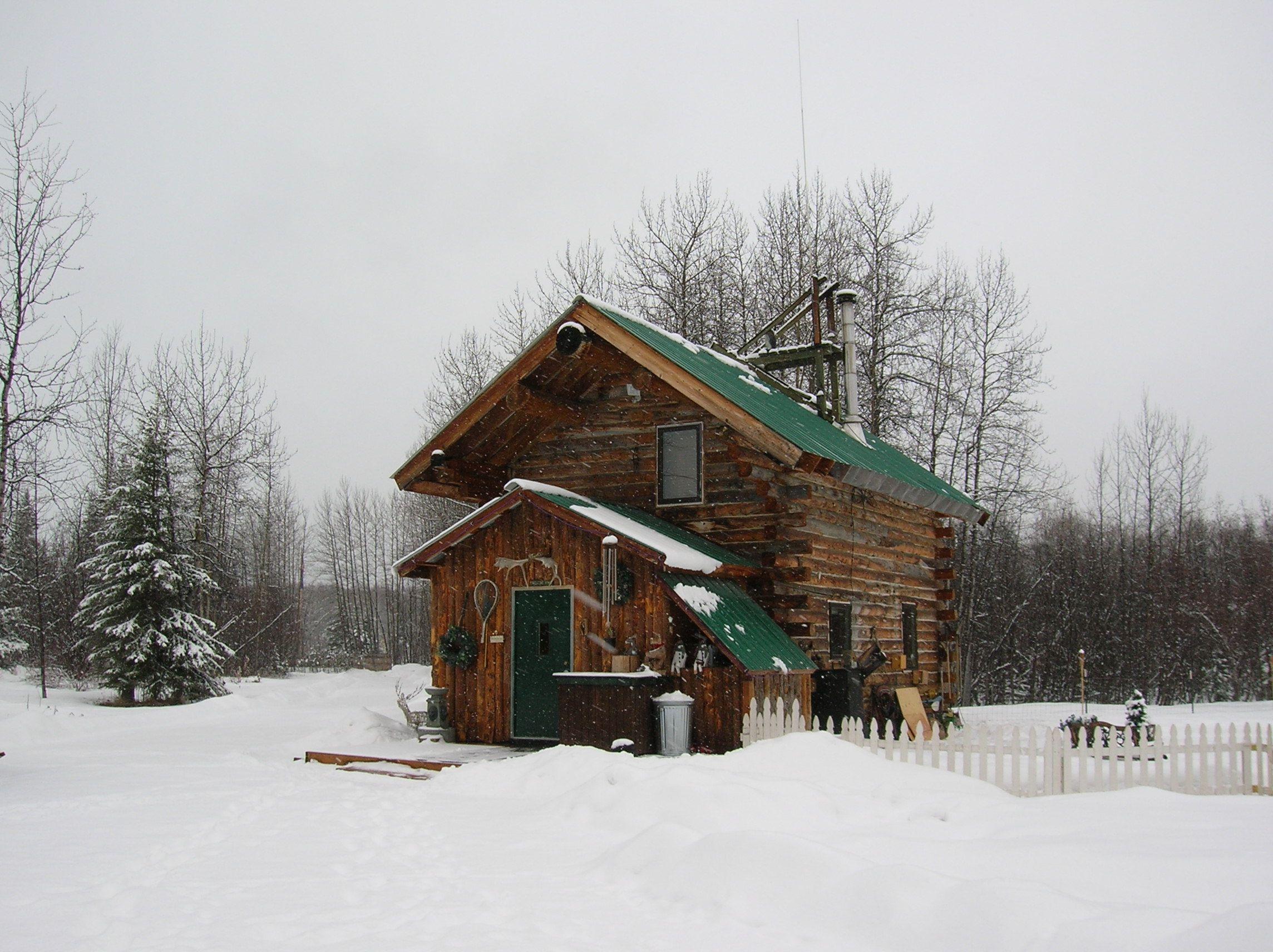 Remote Living Cabin In 2019 Log Cabin Living Cabin