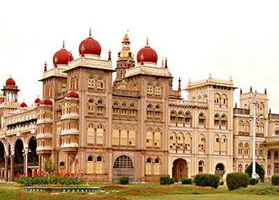 من باكنجهام لفرساى صور أجمل 10 قصور حول العالم اليوم السابع Mysore Palace Travel Around The World National Parks