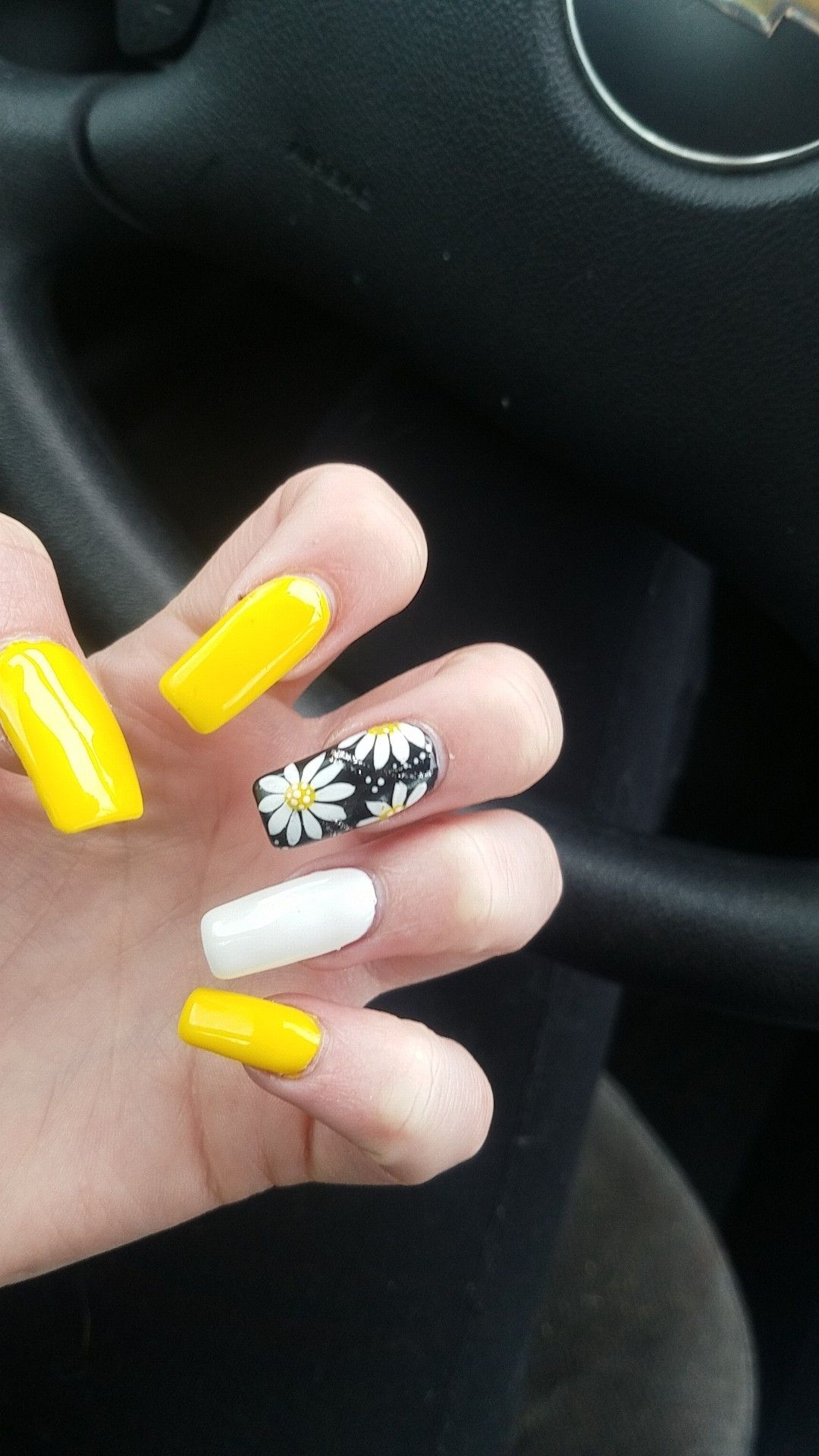 Adorable Summer Nails Yellow Black And White Summer Nails With Adorable White And Yello White Summer Nails Summer Nails Colors Designs White Acrylic Nails