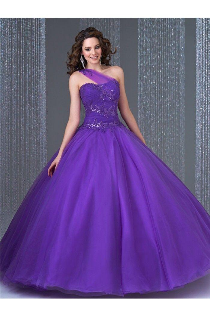 Pin de Amy en Prom | Pinterest | 15 años, Vestidos de novia de tul y ...