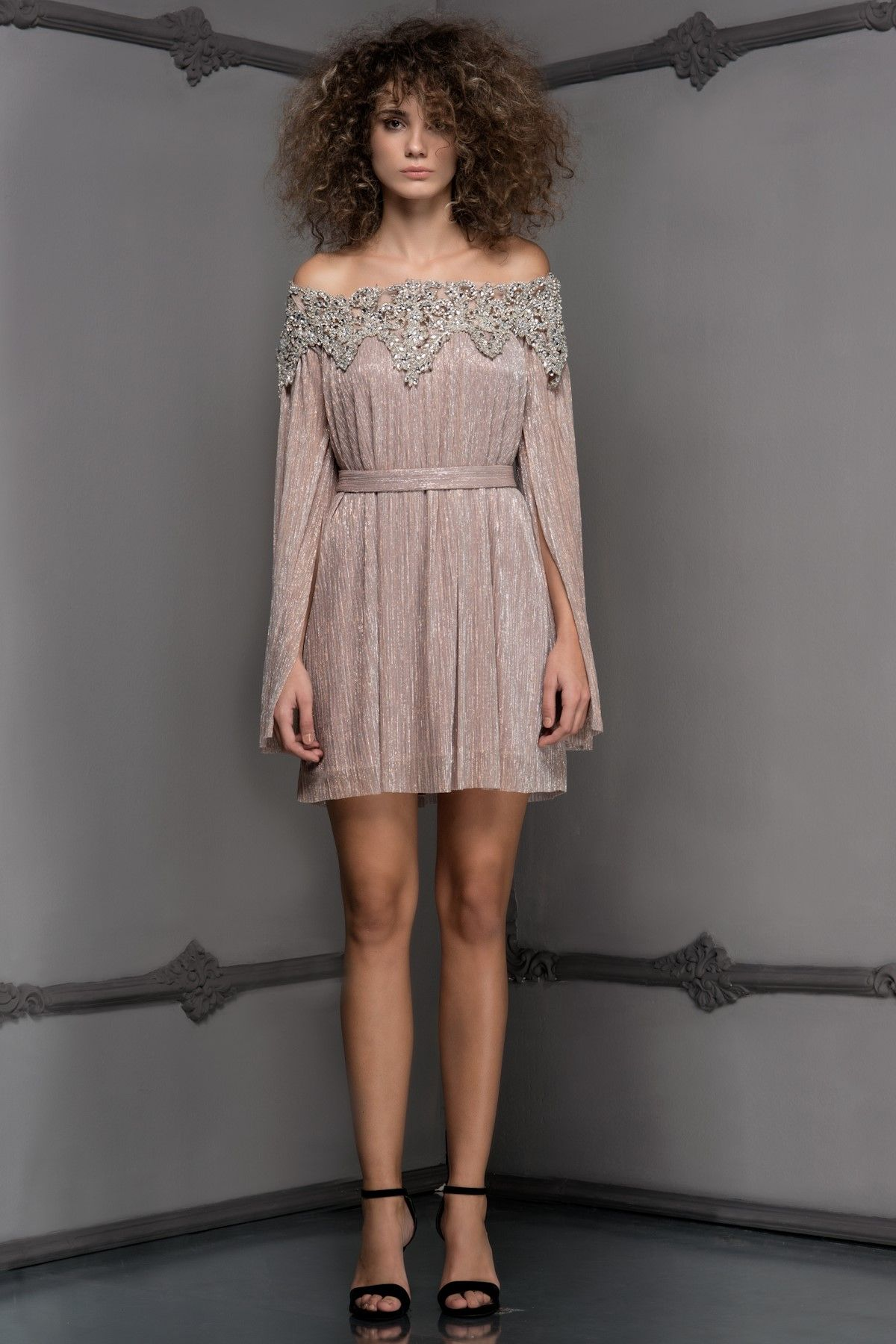 Chloe Pudra Elbise Mlwaw17fn7000 Raisa Amp Vanessa For Trendyol Trendyol Elbise Quinceanera Dresses Kiz Cocugu Modasi