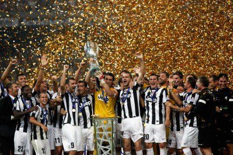 La #juventus ha vinto la supercoppa italiana !!!