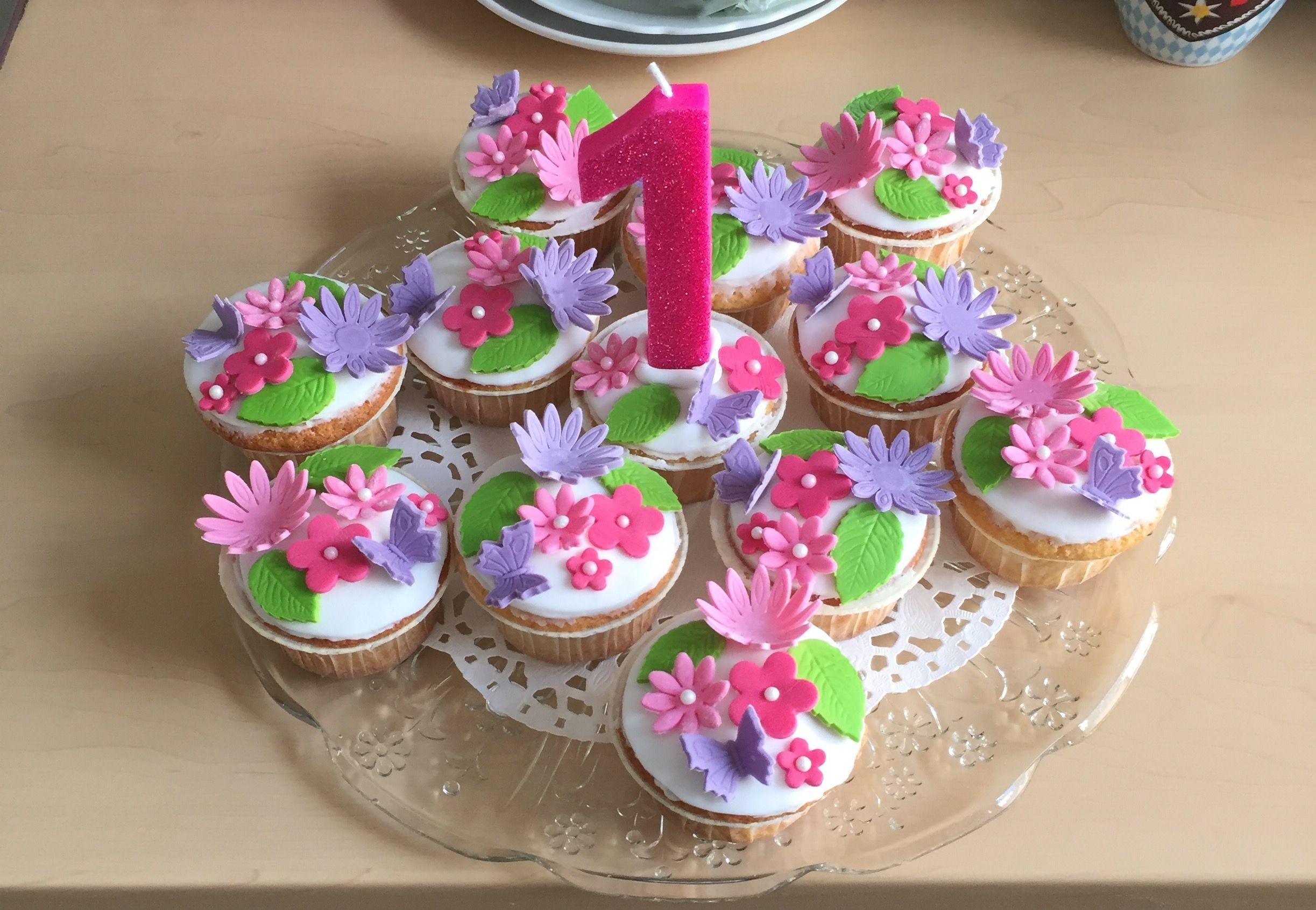 Muffins Zum 1 Geburtstag Mit Fondant Mit Bildern Fondant