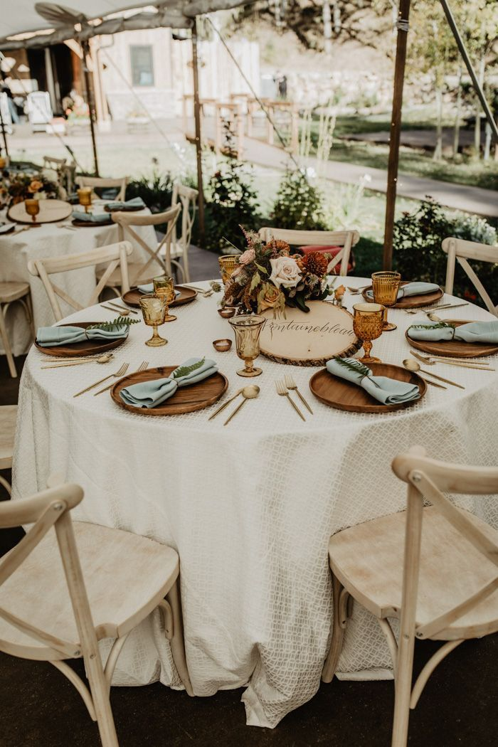 This Elegant Earthy Colorado Wedding at Blackstone Rivers Ranch has the Prettiest Natural Details #weddingreception