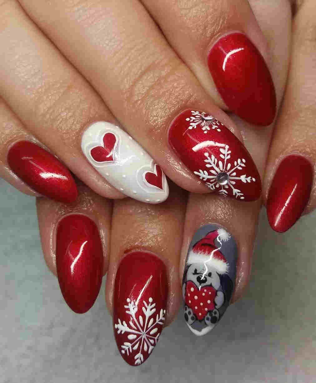 32 Easy Holiday Christmas Nail Designs With Snowflakes Manicure