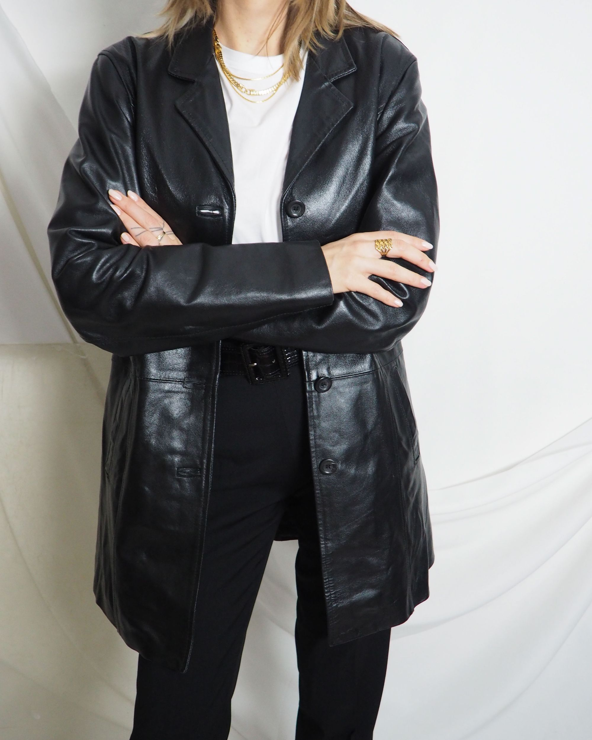You Like Our Vintage Outfits Find Them On Our E Store Untitled1991 Com International Shipping In 2020 Black Leather Jacket Clothes Leather Jacket