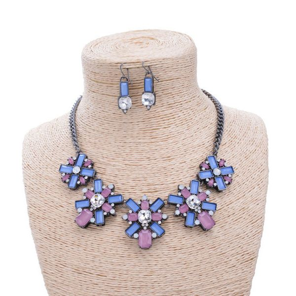 Are you looking Classic Jewelry sets with unique style.