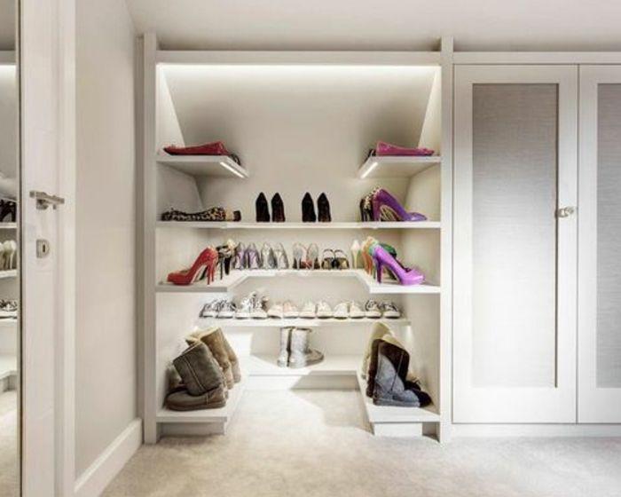 1001 id e pour un dressing sous pente gain de place - Range chaussure gain de place ...