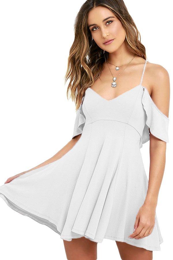 cfd20fcec0 Biała sukienka odkryte ramiona zwiewna mini hit modowy