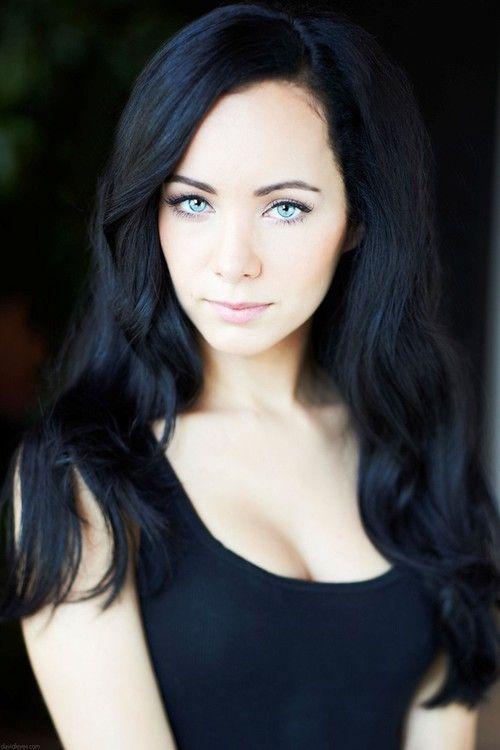 Imagem De Ksenia Solo Girl Crushes Hair Dark Hair Blue Hair