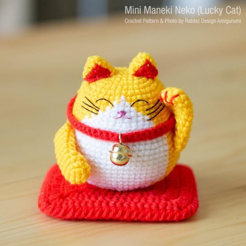 Ravelry: Amigurumi: Lucky cat keyring pattern by Maz Kwok | 794x794